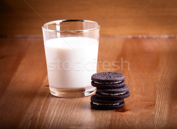 Latte cookies servito tavola alimentare sandwich Foto d'archivio © user_11224430