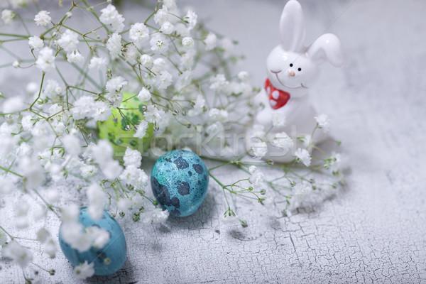Eieren konijn bloemen witte oppervlak Pasen Stockfoto © user_11224430