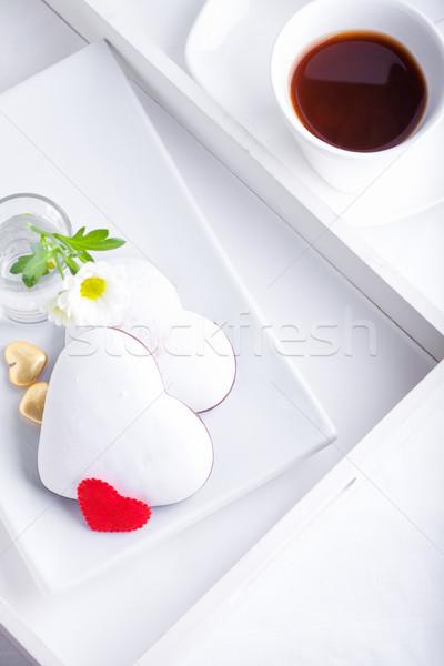 Sütik kávé valentin nap fehér tányér virág Stock fotó © user_11224430