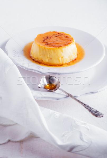 Karamel plaat geserveerd tabel witte melk Stockfoto © user_11224430