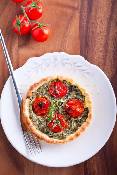 Mini espinafre tomates servido prato queijo Foto stock © user_11224430
