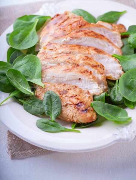 焼き鳥 乳がん 緑の葉 プレート 食品 肉 ストックフォト © user_11224430