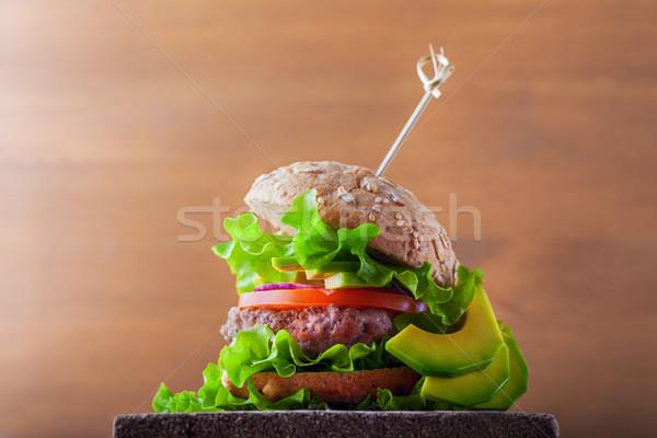 Delicioso caseiro burger rústico secretária Foto stock © user_11224430