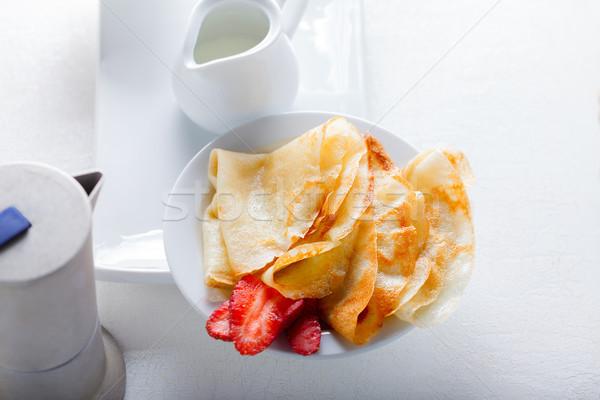 Fragole caffè bianco piatto alimentare colazione Foto d'archivio © user_11224430