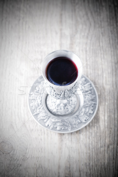 Argent tasse vin table en bois boire alcool Photo stock © user_11224430