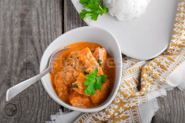 Poulet au curry riz servi bois surface alimentaire Photo stock © user_11224430