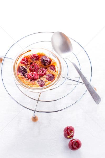 Delicioso torta mesa blanco frutas cereza Foto stock © user_11224430