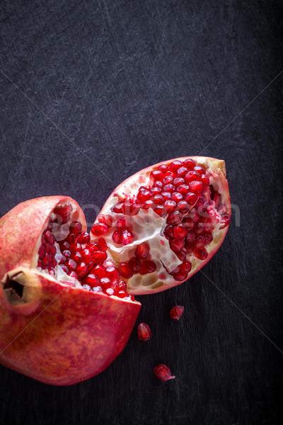 гранат каменные пластина зрелый красный продовольствие Сток-фото © user_11224430