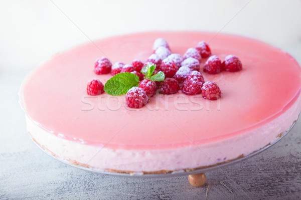 Framboise yogourt gâteau baies haut fruits Photo stock © user_11224430