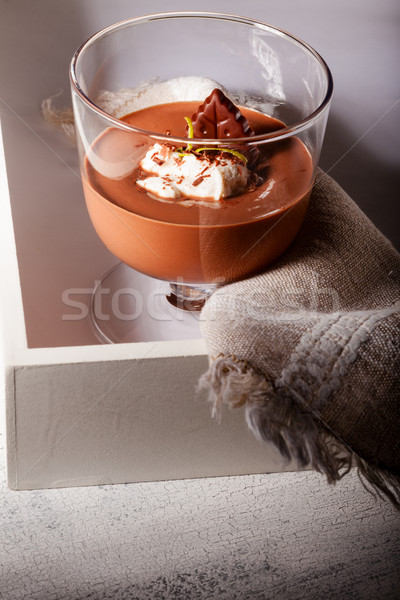 Mus czekoladowy deser szkła serwowane powierzchnia Zdjęcia stock © user_11224430