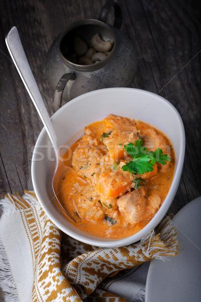 Csirkés curry rizs felszolgált asztal étel zöldség Stock fotó © user_11224430