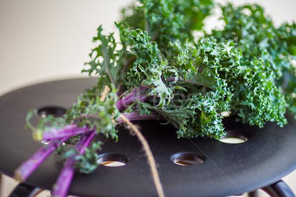 Köteg friss saláta fa asztal étel háttér Stock fotó © user_11224430