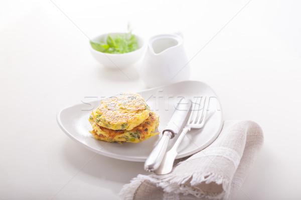 Gesunden Vegetarier Zucchini serviert Tabelle Stock foto © user_11224430