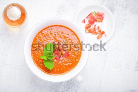Puchar świeże zupa pomidorowa serwowane tabeli lata Zdjęcia stock © user_11224430