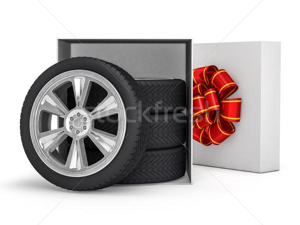 Caja de regalo ruedas 3D compras color Foto stock © user_11870380