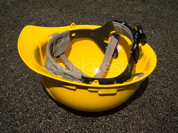 Amarillo casco seguridad fondo industrial interior Foto stock © user_9323633