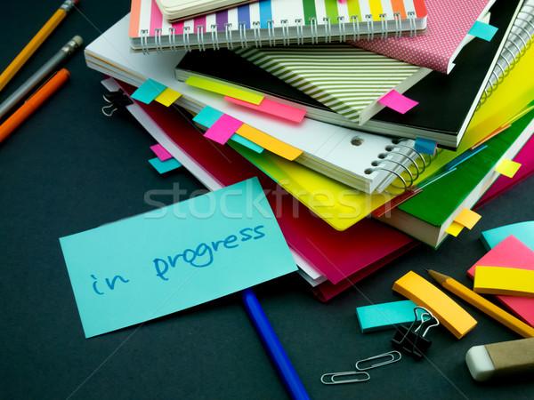 Bericht werken bureau vooruitgang kantoor school Stockfoto © user_9323633