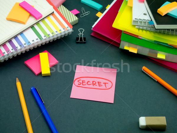 Foto stock: Mensagem · trabalhando · secretária · negócio · papel · escolas