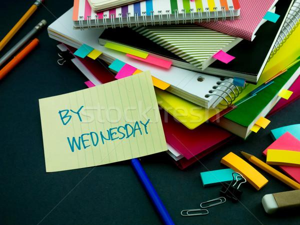 Mensagem trabalhando secretária escritório livro escolas Foto stock © user_9323633