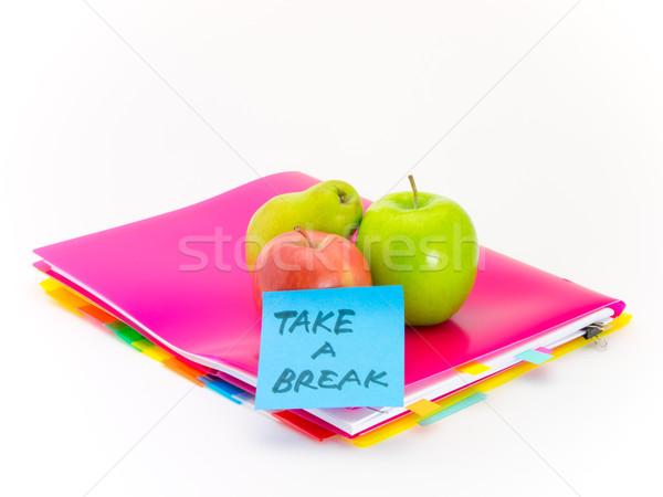Ofis belgeler elma kırmak sunmak Stok fotoğraf © user_9323633