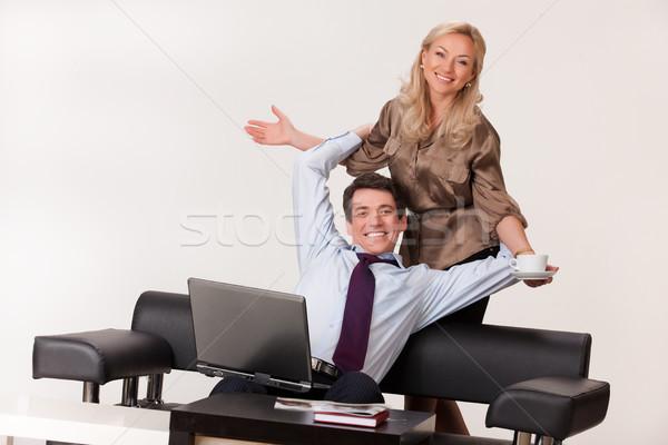 Nő férfi számítógép fiatal nő dolgozik notebook Stock fotó © user_9834712