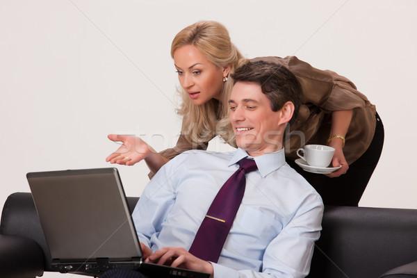 女性 男 コンピュータ 若い女性 作業 ノートブック ストックフォト © user_9834712