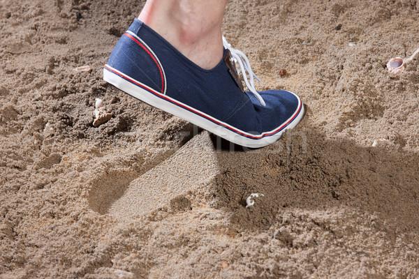 Piernas huella arena playa hombre verano Foto stock © user_9834712