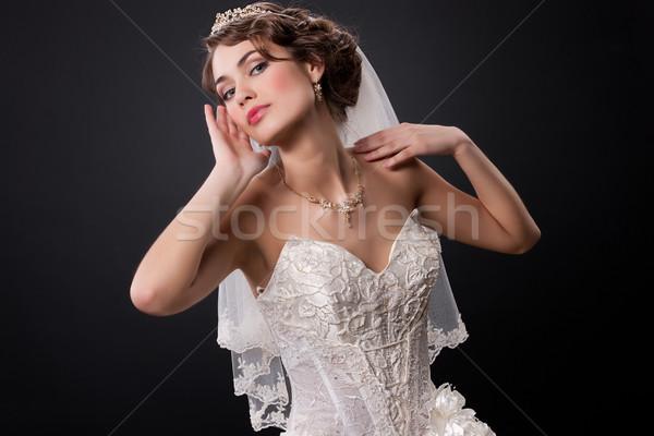 Młodych piękna oblubienicy piękna kobieta modny suknia ślubna Zdjęcia stock © user_9834712