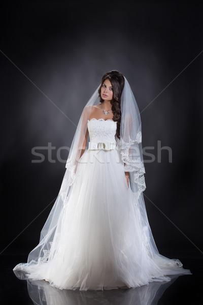 Jóvenes novia mujer hermosa vestido de novia estudio mujer Foto stock © user_9834712