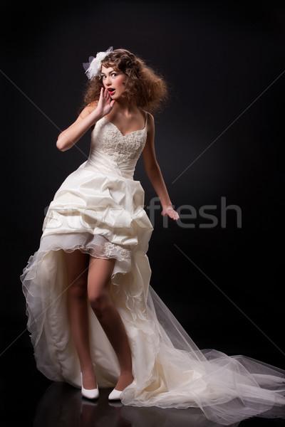 Fiatal gyönyörű menyasszony gyönyörű nő divatos esküvői ruha Stock fotó © user_9834712