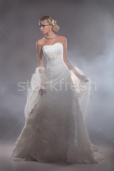 Fiatal gyönyörű nő esküvői ruha gyönyörű szőke nő stúdió Stock fotó © user_9834712
