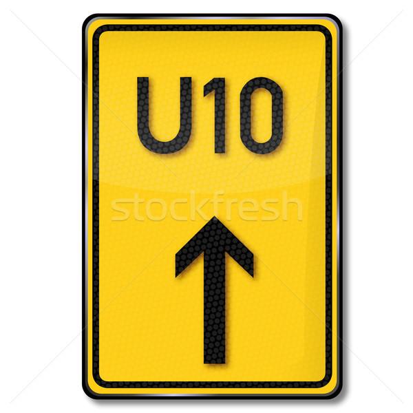 Közlekedési tábla kerülőút utca felirat forgalom feliratok Stock fotó © Ustofre9