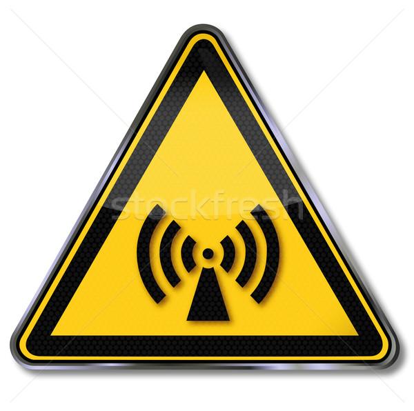 Segno di pericolo allarme radiazione radio piatto segni Foto d'archivio © Ustofre9