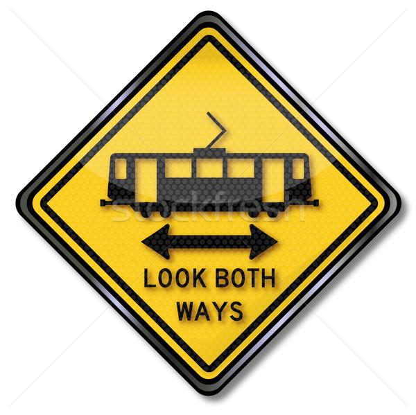 Senalización de la carretera precaución tranvía mirar ambos calle Foto stock © Ustofre9