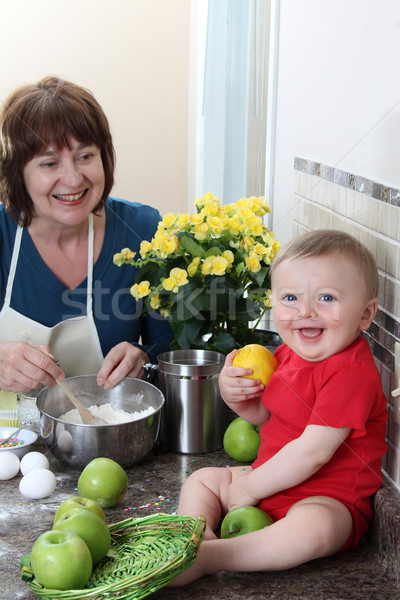 семьи время бабушки внук кухне Сток-фото © vanessavr