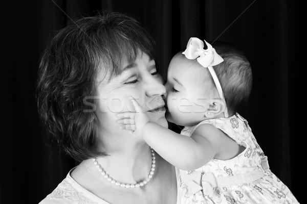 Baby kleindochter grootmoeder kus wang familie Stockfoto © vanessavr