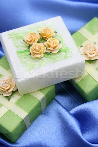 подарки мыло зеленый бумаги украшенный роз Сток-фото © vanessavr