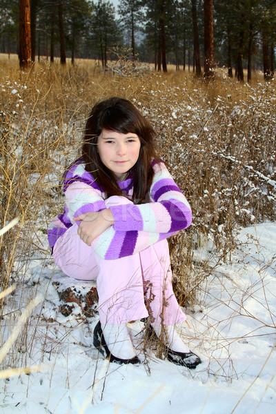 ストックフォト: ブルネット · 代 · 小さな · フィールド · 降雪 · 代