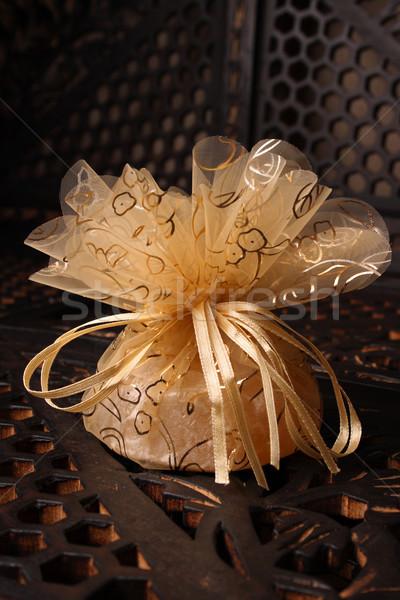 Arany szalag esküvő ajándék hát piros rózsa Stock fotó © vanessavr