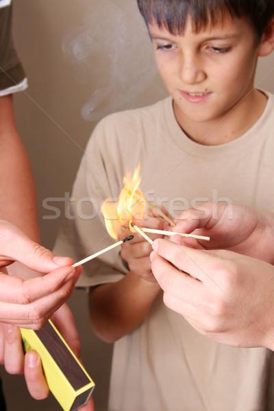 Gry ognia trzy niegrzeczny chłopców domu Zdjęcia stock © vanessavr