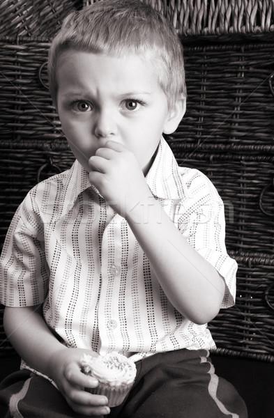 серьезный еды Кубок торт сидят Сток-фото © vanessavr