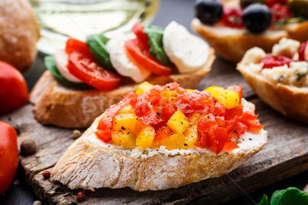 ブルスケッタ 切り トマト ハーブ 油 イタリア語 ストックフォト © vankad