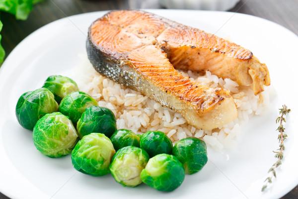 жареный лосося риса Брюссель зеленый пластина Сток-фото © vankad