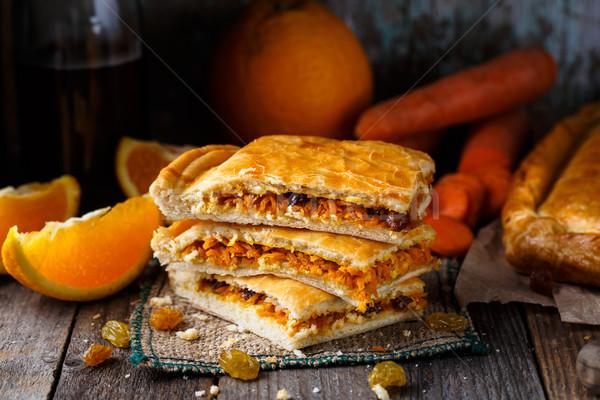 Pite töltött narancs sárgarépa mazsola finom Stock fotó © vankad