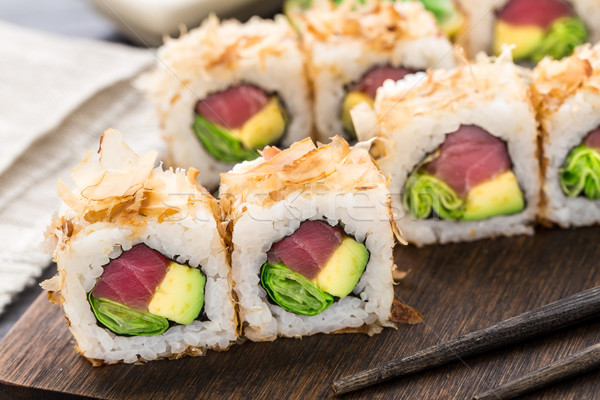 Sushis rouler thon avocat laitue alimentaire Photo stock © vankad
