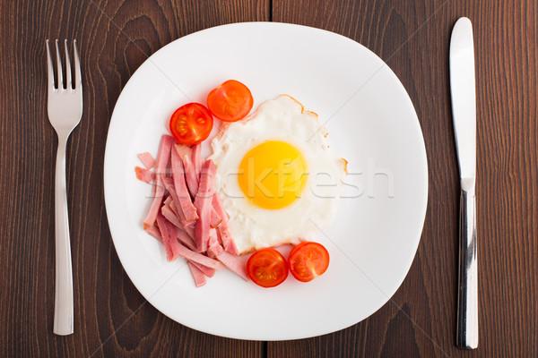 Sahanda yumurta jambon domates plaka doku sağlık Stok fotoğraf © vankad