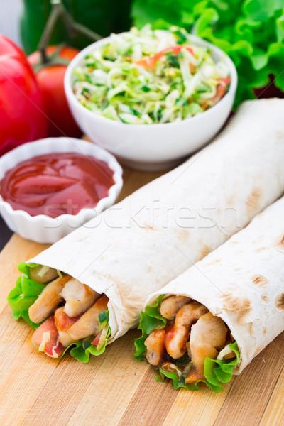 Kebab grillezett hús zöldségek tyúk hús saláta Stock fotó © vankad