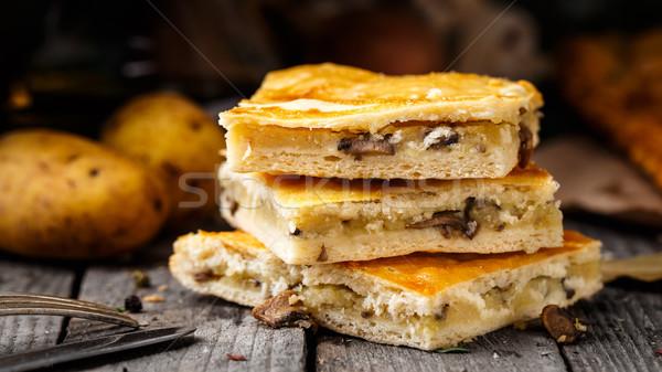 Caseiro torta recheado batata cogumelos delicioso Foto stock © vankad