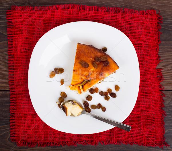 Túró pite mazsola tányér étel gyümölcs Stock fotó © vankad
