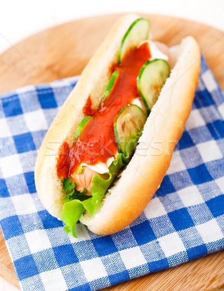 Hot dog ketchup komkommers komkommer mayonaise voedsel Stockfoto © vankad